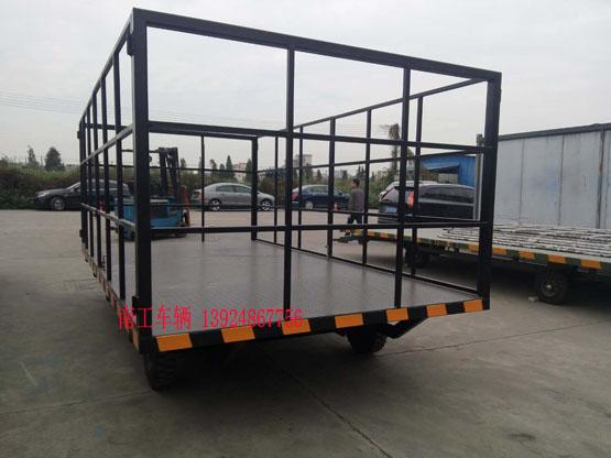 物流5吨护栏型平板车黑色