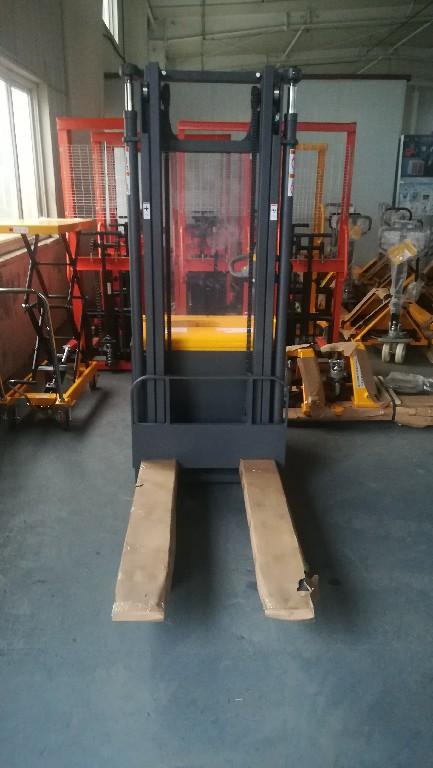 烟台西林CBD15W-E电动托盘搬运车/1吨1.5吨仓储车定制:华晟叉车