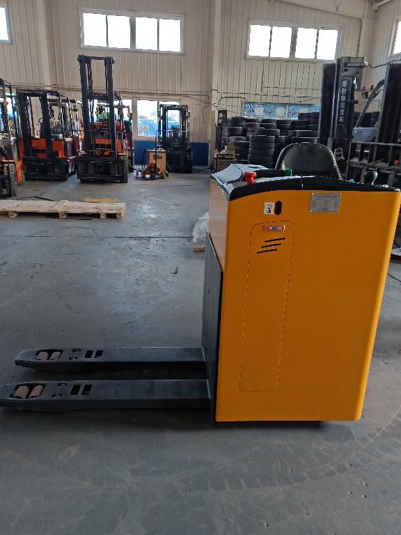 烟台直销宇峰CBD15W电动搬运车/电动地牛托盘车1.5吨液压升降叉车