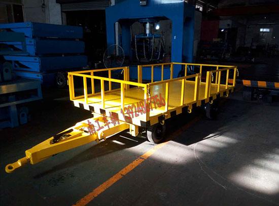 1吨护栏平板拖车