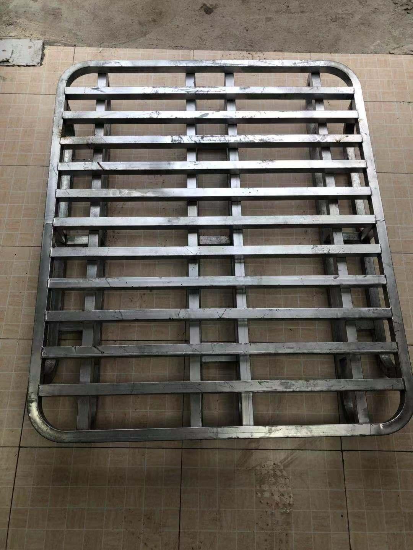牛力物流机械设备主要产品:钢制托盘、折叠架、堆垛架、巧固架、布匹架、周转箱、轮胎架