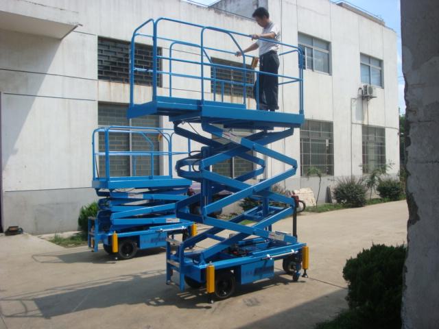 自行式升降台,自行式作业平台,苏州琇泽自行式升降机
