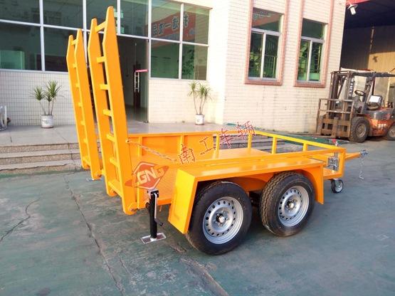 轻型平板车 2.5吨ATV平板拖车 带爬梯